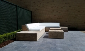 Design Lounge-Ecksofa in Sardinien